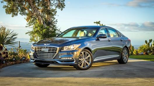 В Хендай  сообщили  онамерении поставить больше машин Genesis на рынок России