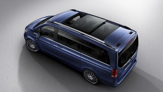 Обновленная версия минивэна Мерседес-Бенс V-Class появилась на русском рынке