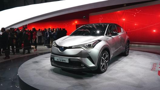 Компания Тойота начала производить кроссовер C-HR обновленного поколения