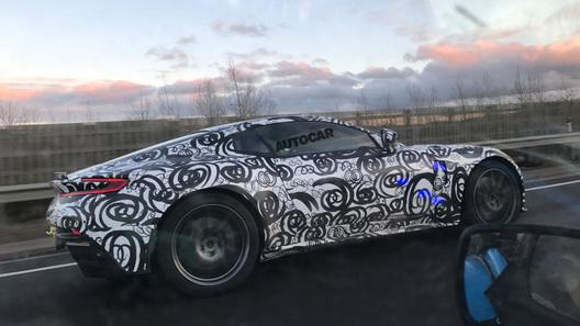 Астон Мартин начал тестировать спорткар Vantage V8 обновленного поколения