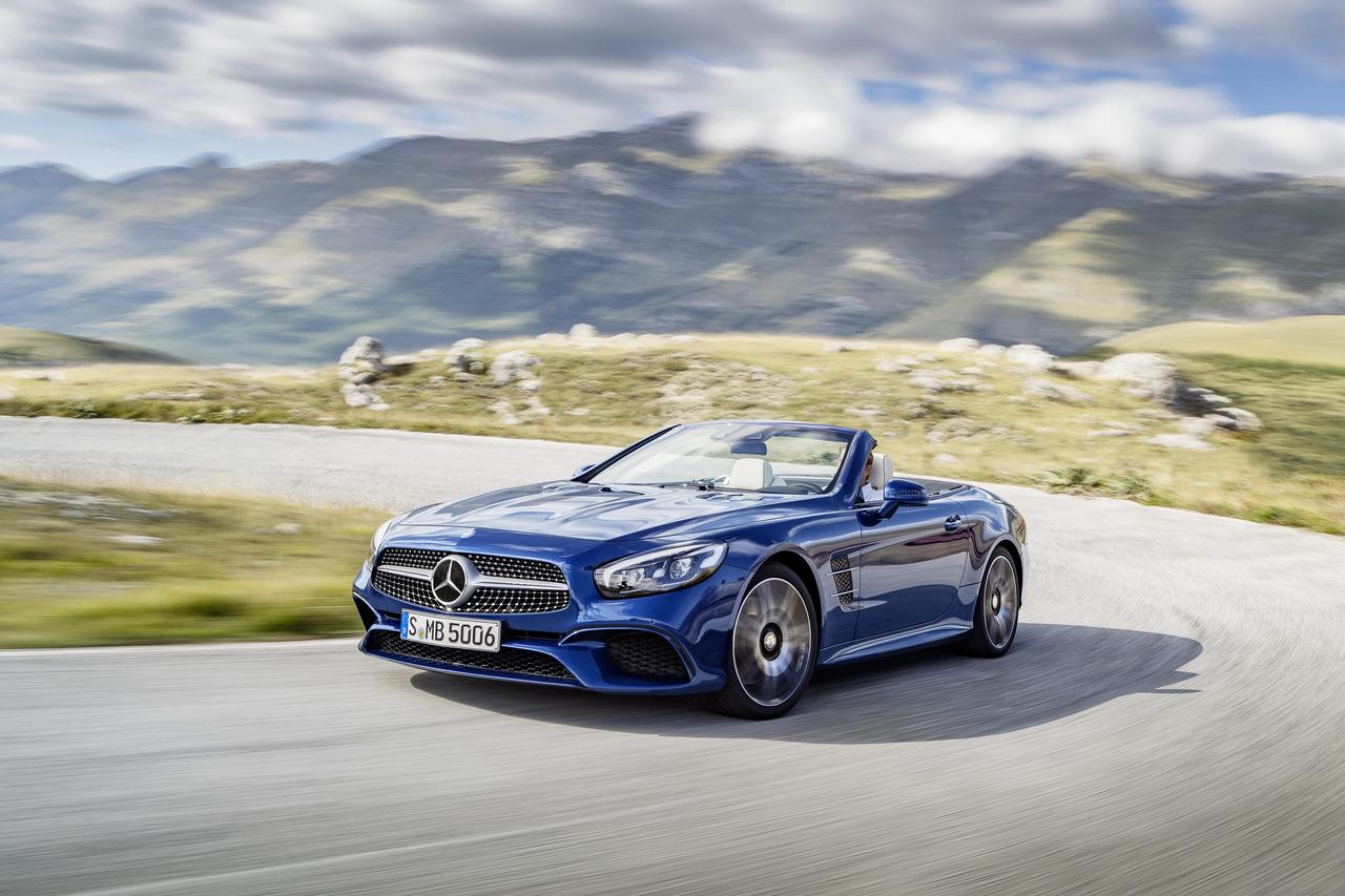 Фотографии родстера Mercedes-Benz SL появились раньше премьеры