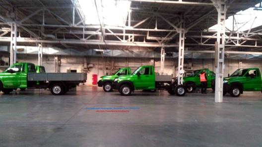 Вweb-сети интернет появились шпионские фотографии нового фургона УАЗ
