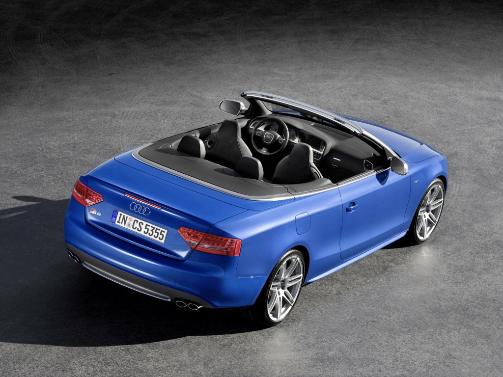 Audi выпустит будущей осенью кабриолет…